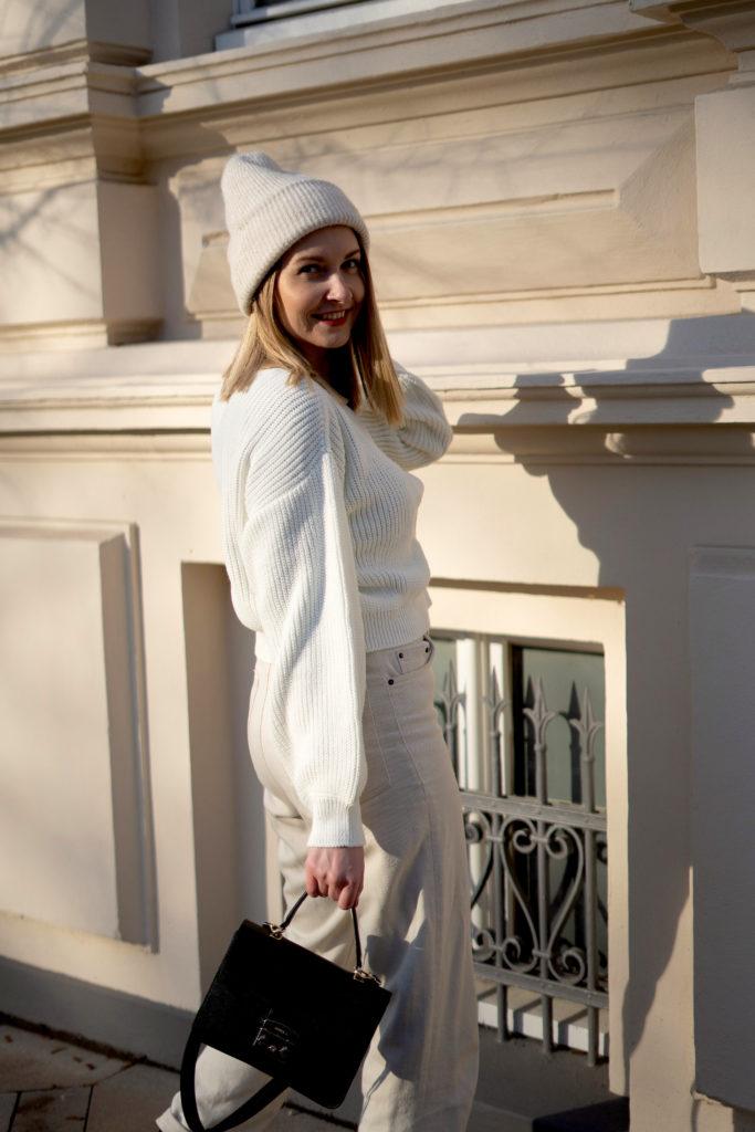 Aesthetic, beige Winter-Outfit & Düsseldorfer Streetstyle